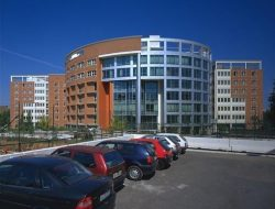 בנייני משרדים